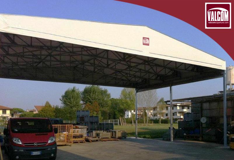Creare spazio per la tua attività? E' possibile con una tettoia in telo Valcom.