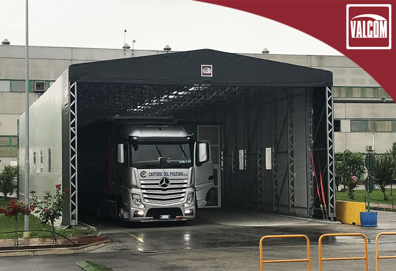 Un capannone in PVC Valcom migliora la logistica di Cartiere del Polesine
